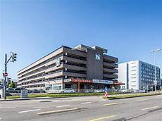 Parken In P6 Flughafen Stuttgart Apcoa Parking