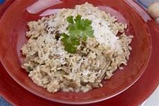 funghi chiodini come si cucinano funghi chiodini propriet 224 valori nutrizionali ricette