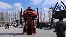 voiture qui se transforme letrons la voiture qui se transforme en robot