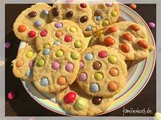backen mit kindern einfache rezepte cookies mit smarties rezept f 252 r bunte kekse f 252 r kinder