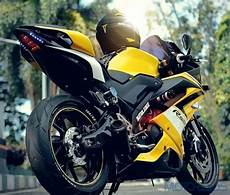 R15 V3 Modif Moge by This Modified Yamaha R15 Has Been Stung By A Bee Motoroids
