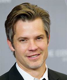 timothy olyphant short straight grey hairstyle