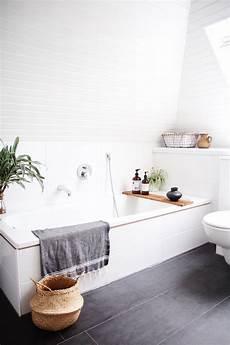 altes bad günstig renovieren badezimmer selbst renovieren light balls badezimmer