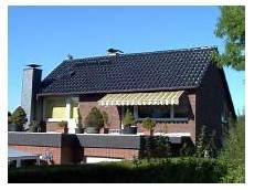reetdach dacheindeckung mit natuerlichem hoose bedachungen bochum dacheindeckungen steild 228 chern