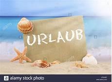 Malvorlagen Urlaub Strand Englisch Strand Meer Szene Im Urlaub Im Sommer Mit Seestern Und