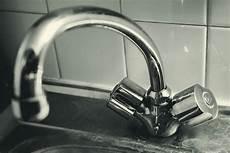 eau trop calcaire eau calcaire comment lutter efficacement et durablement