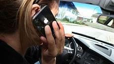 Handy Verbot Am Steuer Wird Versch 228 Rft 200 Und