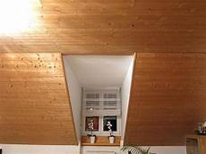 Holzwand Streichen