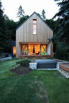 wochenendhäuser aus holz stribrna skalice house prodesi ferienhaus ideen
