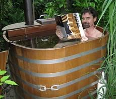 outdoor badebottiche regentonnen tubs