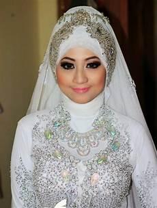 Contoh Rias Pengantin Muslimah Terbaik 2017