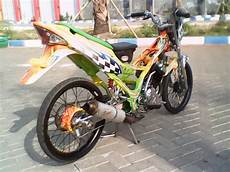 Modifikasi Motor Fu 2014 by Modifikasi Motor Satria Fu 150cc Racing Look 2014 Motor
