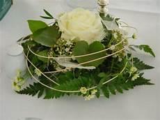 Bildergebnis F 252 R Tischgesteck Kommunion Blumengestecke