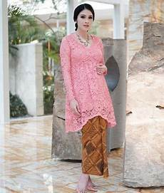 78 Model Kebaya Modern Muslim Pesta Brokat Kombinasi