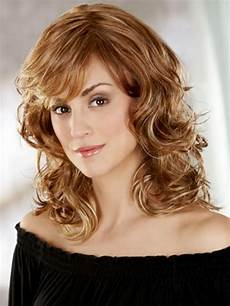 15 easy medium hairstyles for heart shaped faces circletrest