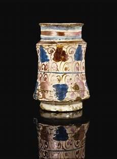 lustre à pilles a hispano moresque lustre pottery albarello jar