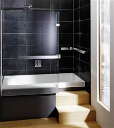 Kompakt Und Multifunktional Die Eckbadewanne Mit Dusche