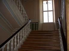 bild quot alte holztreppe vorsicht schiefe stufen quot zu hotel