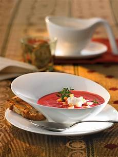 rote bete suppe mit meerrettich
