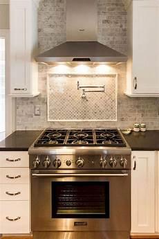 modern white kitchen cabinets and backsplash design ideas