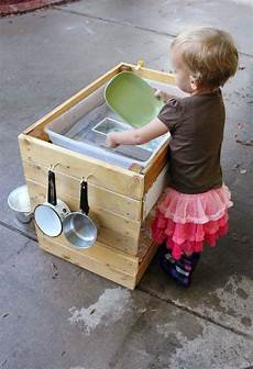 10 Great Diy Outdoor Water Play Tables Water Play