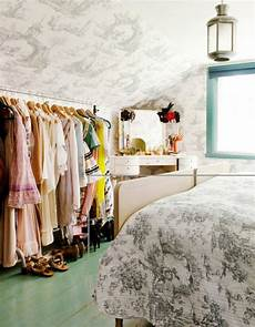 Bedroom Clothes Storage Ideas For Small Spaces by Diy Clothing Storage Solutions For Small Spaces