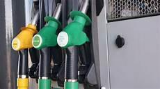 Prix Des Carburants Quot Trop D Augmentations De Taxes Finit