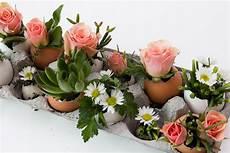 Tischdeko Ostern Selber Machen - egg static centerpieces papery cakery