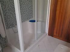 box per vasca da bagno prezzi trasformare vasca da bagno in box doccia su misura a