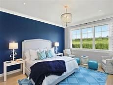 tapete blau schlafzimmer blue master bedroom decoration wallpaper with light