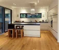 küchendesign mit kochinsel die besten 25 moderne k 252 chen ideen auf