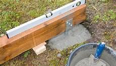 Gewächshaus Fundament Bauen - legen sie die bodenbalken auf futterh 246 lzern so aus dass