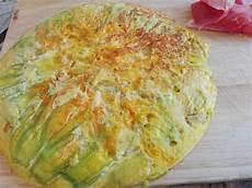 frittata con fiori di zucchina frittata zucchine e fiori di zucchina arte e fantasia a