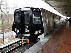 wmla5t6s wmata 7000 series set departs greenbelt metro station