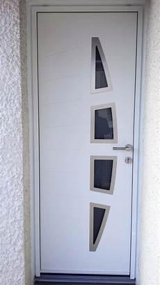 porte d entrée blanche solabaie rochefort pose d une porte d entr 233 e blanche en