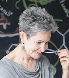 20 ideas of short haircuts for salt and pepper hair