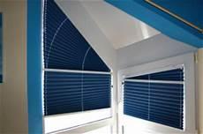 Verdunkelung Für Dreiecksfenster - fenster verdunkelung sichtschutz
