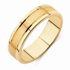 men s wedding band in 10kt yellow gold