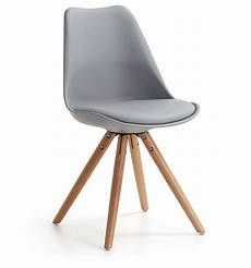 chaise design lisse pieds bois kave home www groupdeco