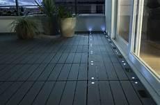 dalle balcon emboitable composite avec led blooma 30 x 30