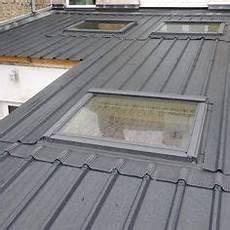pose bac acier toit plat 33 meilleures images du tableau toit bac acier toit bac
