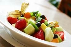 essen vor dem sport apfel vor dem vorm sport richtig essen