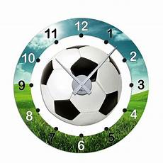 soccer room kinderzimmer wanduhr mit fu 223 motiv