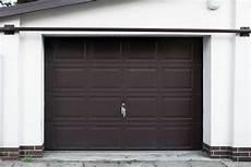 garage streichen garagentor richtig streichen 183 ratgeber haus garten