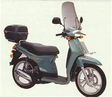 Modifikasi Scoopy Baru by Foto Modifikasi Motor Honda Scoopy I Baru 2010 Vs Yamaha