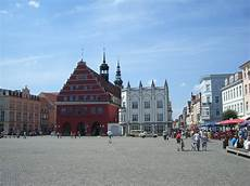 Datei Greifswald Marktplatz Jpg