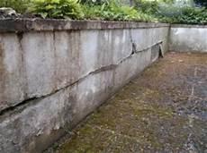 Terrassenmauer Und Putz Br 246 Ckelt Bzw Wird Marode