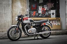 triumph bonneville t120 essai triumph bonneville t120 2016 on motorcycle review mcn