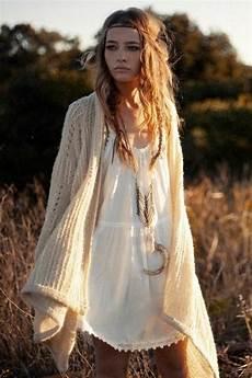 look hippie femme comment se faire un look hippie chic et d 233 contract 233 tout
