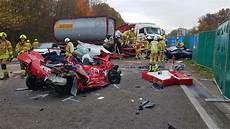 Unfall Düsseldorf Heute - massencrash auf der a3 in richtung oberhausen mindestens